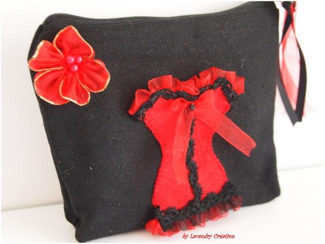 trousse noire corset rouge lacaudry creation